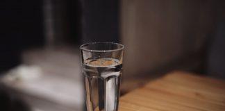 Combien d'eau faut-il boire pour perdre du poids ?
