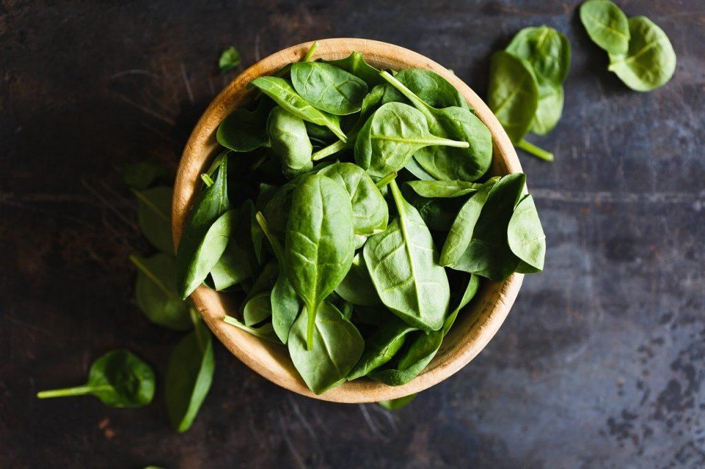 les légumes à feuilles sont pauvres en sucre